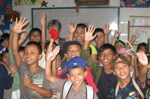 I just had to share the picture of the children of Widya Guna celebrating.