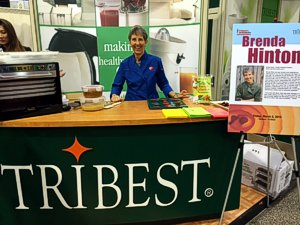 Rawsome Chef Brenda Hinton does the Tribest demo at Expo West 2015